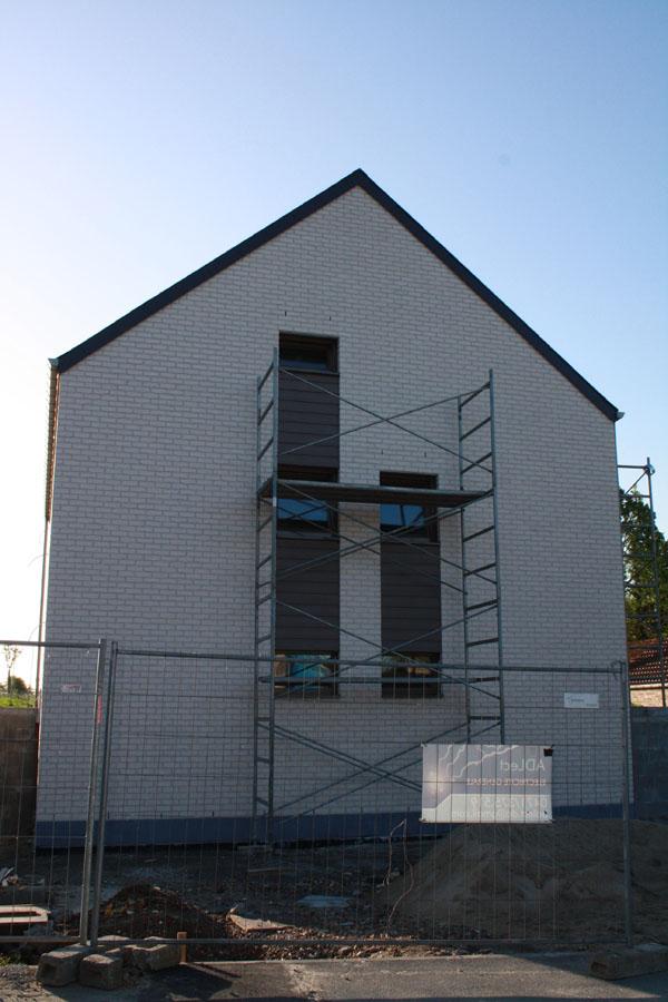 bardage lames de fibro ciment notre construction passive. Black Bedroom Furniture Sets. Home Design Ideas